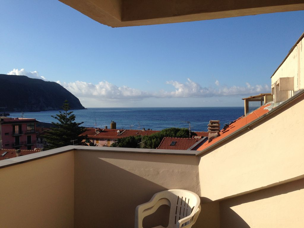 three balconies facing the sea: all the - homeaway sestri levante