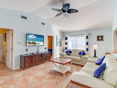 Photo for NEW EVERYTHING  V6 Luxury 2 bed 2 bath  - pool view - Walk to beach