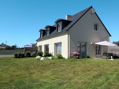 Photo for 4BR Villa Vacation Rental in Lochrist, Brittany