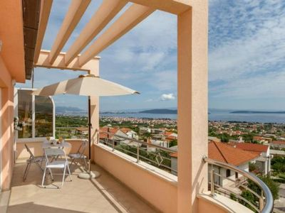 Photo for Holiday apartment Kaštel Stari for 4 persons with 1 bedroom - Holiday apartment in a villa