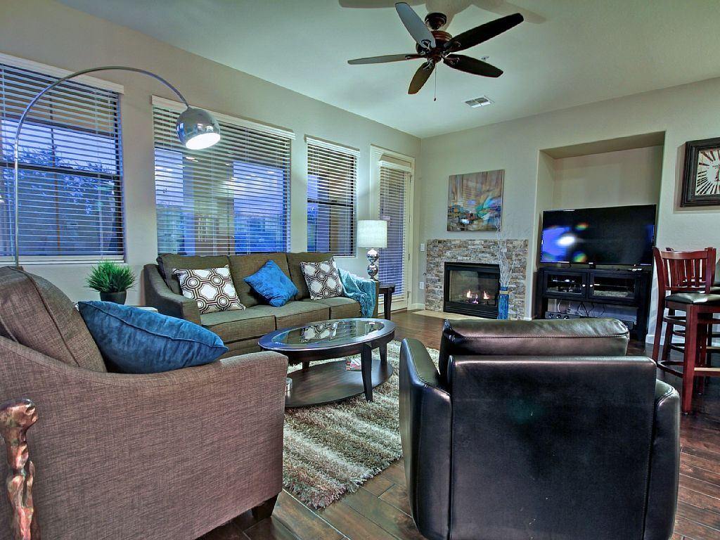 Bright And Clean Encore Gated Community Contemporary Furniture Scottsdale Central Arizona