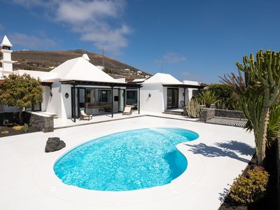 Photo for Luxurious Villa with Pool, Panoramic Views, Terrace, Garden, Air Conditioning and Wi-Fi