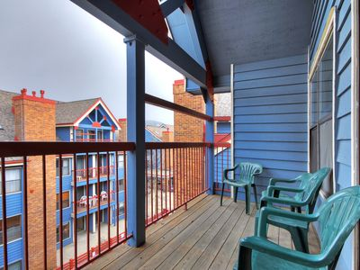 Photo for Charming 2story 2Br Condo Steps to Historic Main St Sleeps 8
