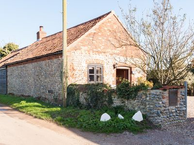 Photo for Bramble Cottage by the coast, Open plan living, wi-fi, dog friendly