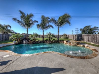 Photo for Family friendly gorgeous home with tuscany/western flair,pool, pool table