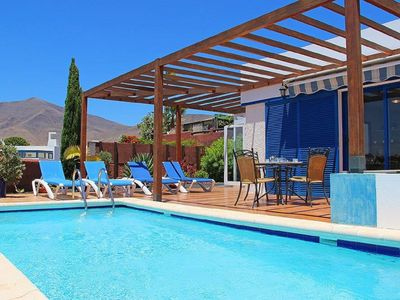 Photo for Lovely Villa, Air-con,Free Wi-Fi & Private Pool, In Las Coloradas,Playa Blanca.