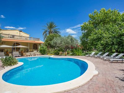 Photo for Holiday home with beautiful garden, private pool and air conditioning