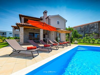 Photo for Colourful countryside villa near the sea