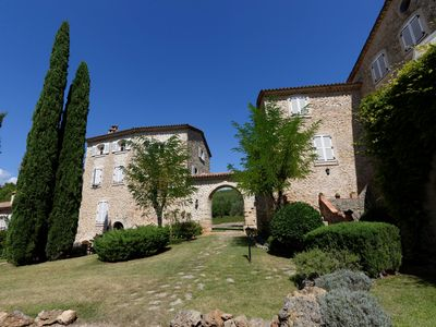 Photo for Charming chateau farmhouse, sleeps 6, with pool & tennis court, 5 km to Lorgues