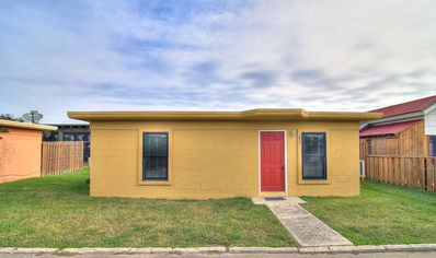 Photo for Kona Cottage at Spanish Village, cute cottage in the heart of Port Aransas!