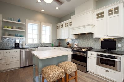 Kitchen Island - Kitchen