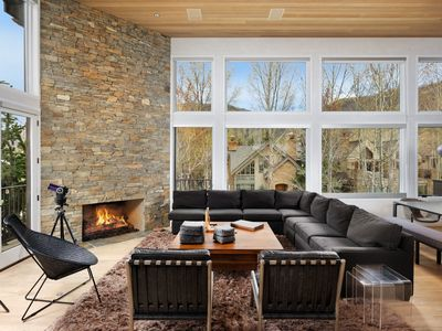 Photo for Lovely 4 Bedroom East Core Contemporary