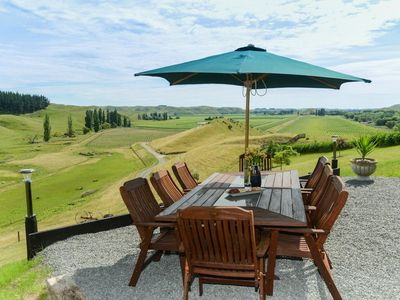 Photo for Tirohia Escape - Rural Holiday Home Only 25 Minutes From Havelock North!