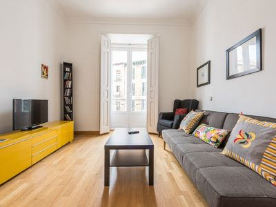 Photo for Bright apartment next to the Plaza Mayor and El Rastro.