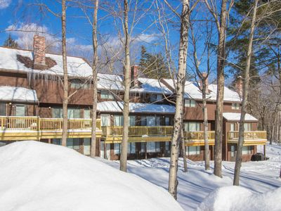 Photo for Cozy ski-in/ski-out townhouse steps from trail - walk to dining, dogs welcome!