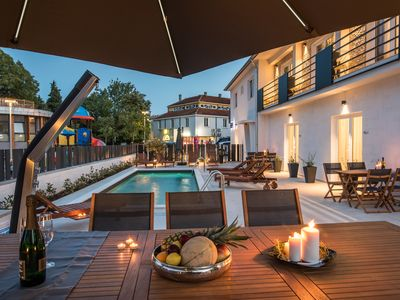 Photo for Enjoy the pool | Luxurious holiday domicile in a central location