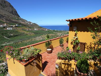 Photo for Quiet holiday house with sea view and terrace