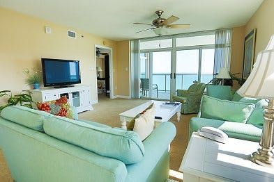 Photo for Bluewater Keyes 1007, 4 Bedroom Beachfront Condo, Hot Tub and Free Wi-Fi!