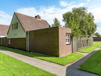 Photo for Holiday home on the edge of a child-friendly and eco-friendly bungalow park.