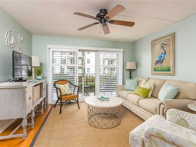 Photo for Beautifully Furnished 2 Bedroom Beachfront Condominium!  Wake up to the Ocean!