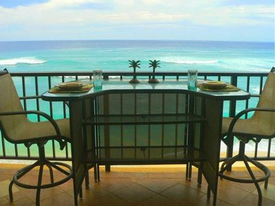 DINE ON YOUR PRIVATE BEACHFRONT LANAI