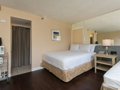 Photo for Heart Of Waikiki, Easy Walk To The Beach - Great Price!