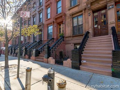 Photo for Manhattan Studio! Walk to scenic Morningside park, restaraunts, subway. Free WiF