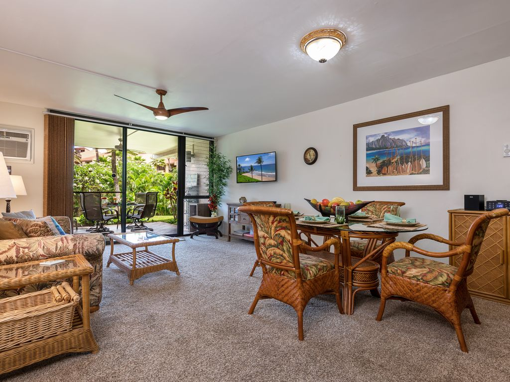 Garden Walk Dining: Kamaole Sands, 6-103, Walk 2 Beach, Garden View, Central