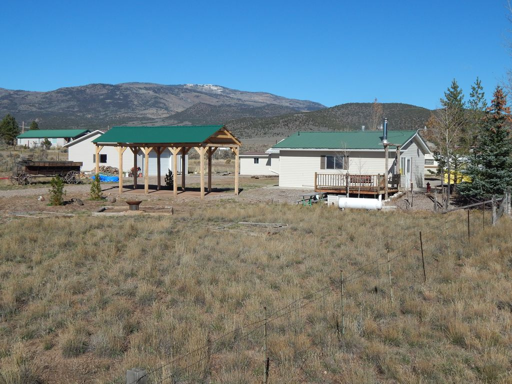 Koosh cabins to capitol reef national park bryce canyon for Fish lake cabins