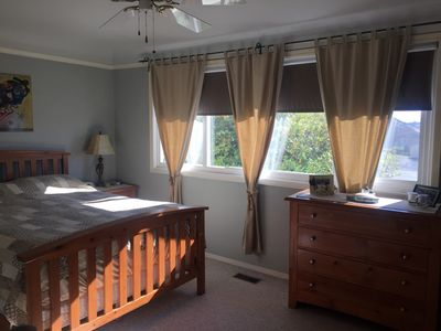 Photo for Roxie's retreat - A cute, well maintained 3 bedroom home, central location