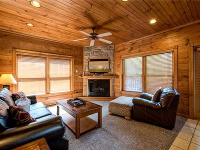 Photo for Gatlinburg Majesty, 4 Bedrooms, Sleeps 14, Game Room, Hot Tub, Pool Access