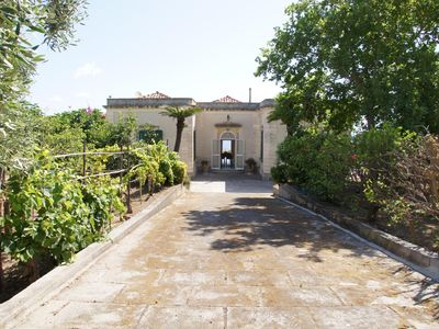 Photo for Sicilian villa with lovely views of the 900 with terrace overlooking the sea