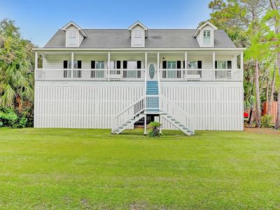 Photo for Game Room - Large Southern Beach Home - Short Walk to Beach!