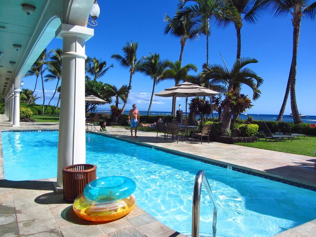 Cheapest Property In Usa Cheapest Ocean Front Hotel In Lahaina Mt View Remodel