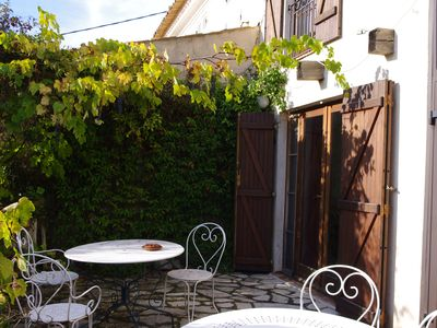 Photo for Charming traditional cottage above Vallauris