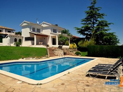 Photo for 2-storey villa with garden of 1200 m2, pool, basketball court and WIFI