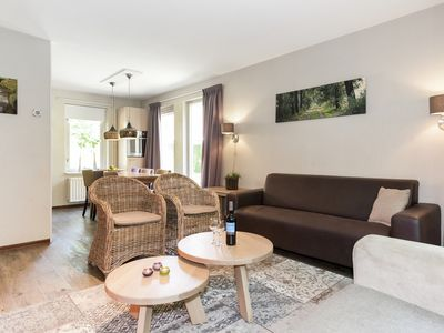 Photo for Luxury 6-person bungalow in the holiday park Landal Duc de Brabant - rural location
