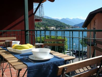 Photo for Casa Alba, town centre Apartment with lovely balcony ad lake view, sleeps 4