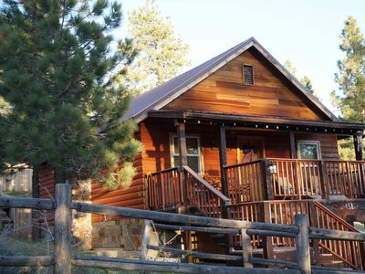 CAMPNEAL: WiFi+Jacuzzi+Dog friendly....Sled hill next door!!