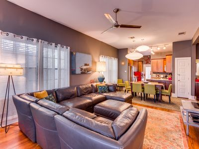 Photo for Cool SOUTHTOWN downtown home, walk to ALAMO, RIVERWALK close to all FREE WIFI