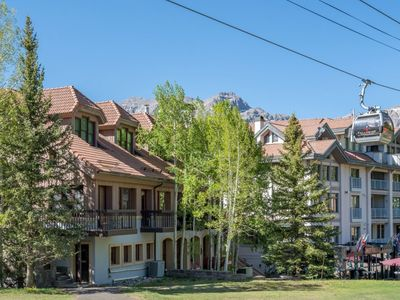 Photo for The perfect ski getaway. True ski in/out access, freshly updated, steps to skiing and dining