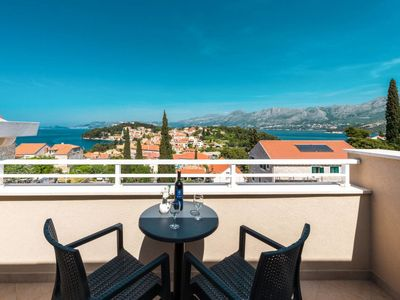 Photo for 2 bedroom Apartment, sleeps 6 in Cavtat with Pool, Air Con and WiFi