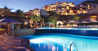 Photo for Stunning Condo In Pueblo Bonito Sunset Beach Resort