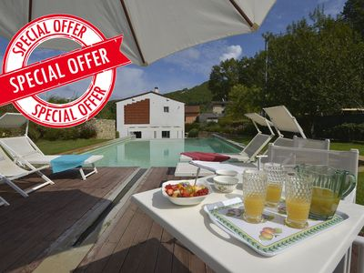 Photo for Giava ideal for families or friends, with private pool, free Wi-Fi and A/C