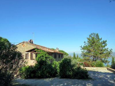 Photo for Apartment Il Querceto (CDL204) in Lago Trasimeno - 16 persons, 8 bedrooms