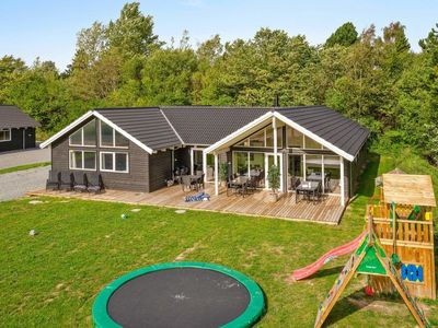 Photo for Vacation home Vejby Strand in Vejby - 16 persons, 6 bedrooms