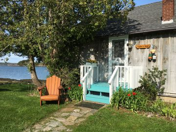 Your very own idyllic panoramic view, lobster boats, kayaking, sunrises, private