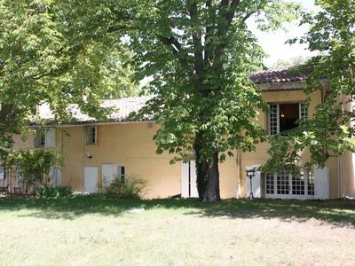 Photo for Delightful Provençal MAS with pool 4km from Aix with extensive private ground