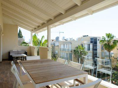 Photo for Luxury Penthouse BASEL / DIZENGOFF, 5 minutes / Hilton beach, 3 bedrooms, 2 bathrooms