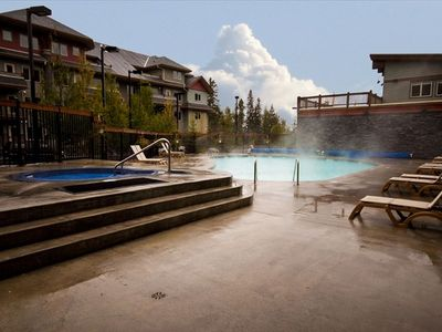 Photo for 20 min from Banff National Park - Heated Pool, 2 Hot Tubs, BBQ - WiFi - CDN rate